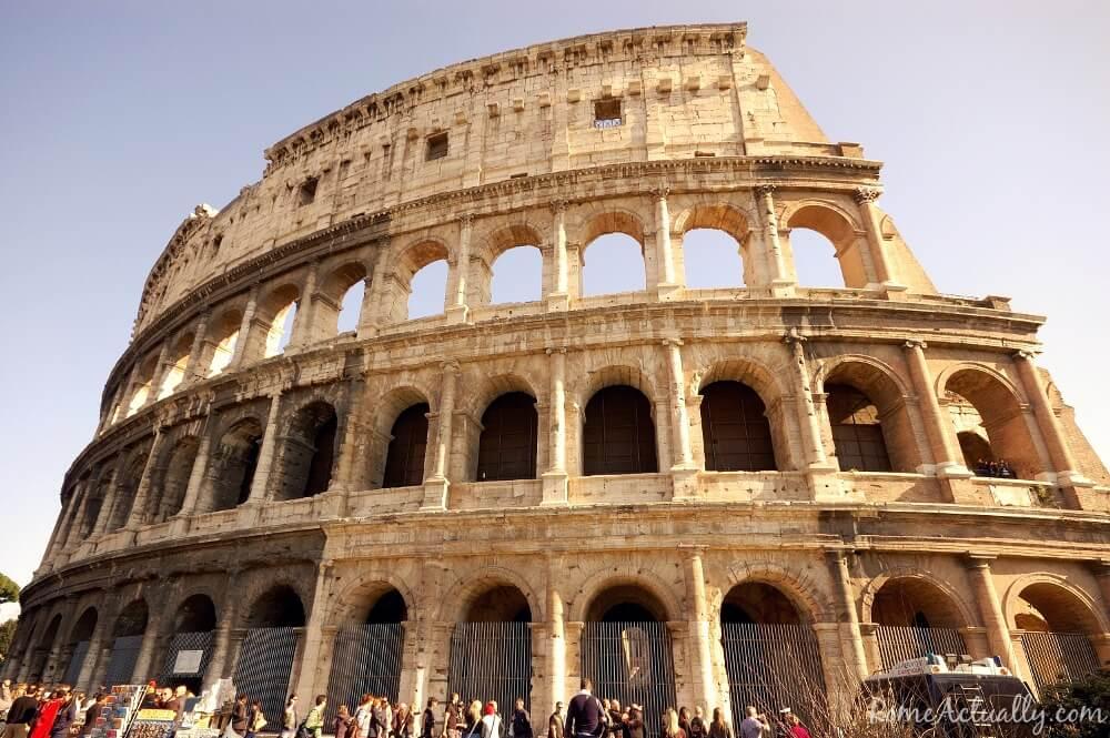 Image: roman colosseum