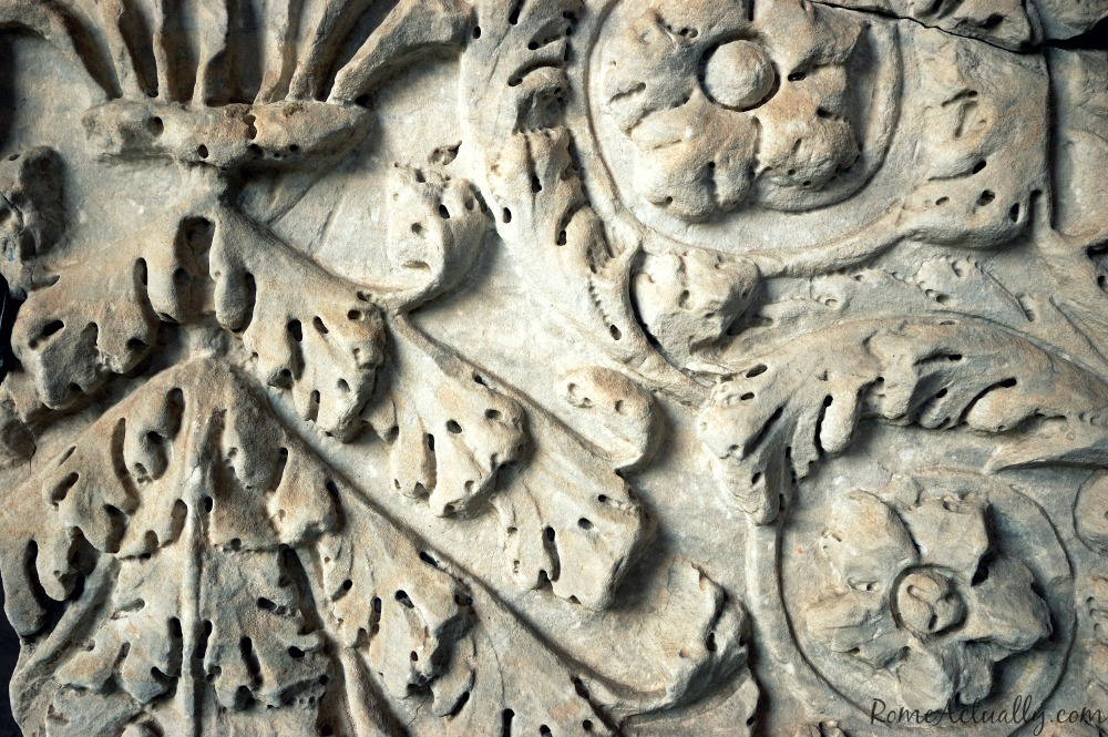 roman coliseum carvings