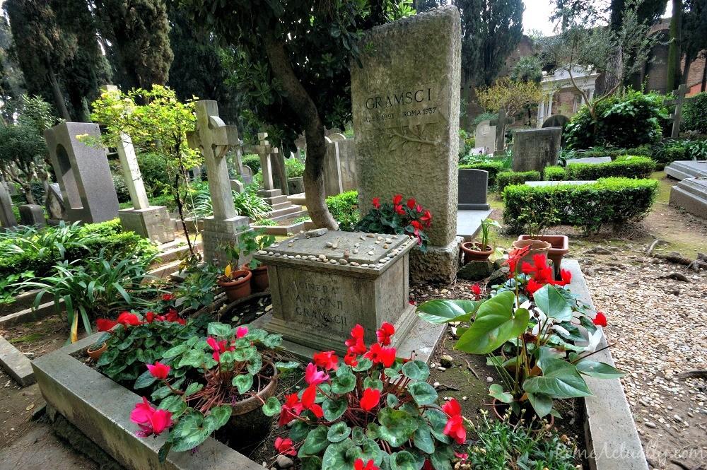 Antonio Gramsci's grave