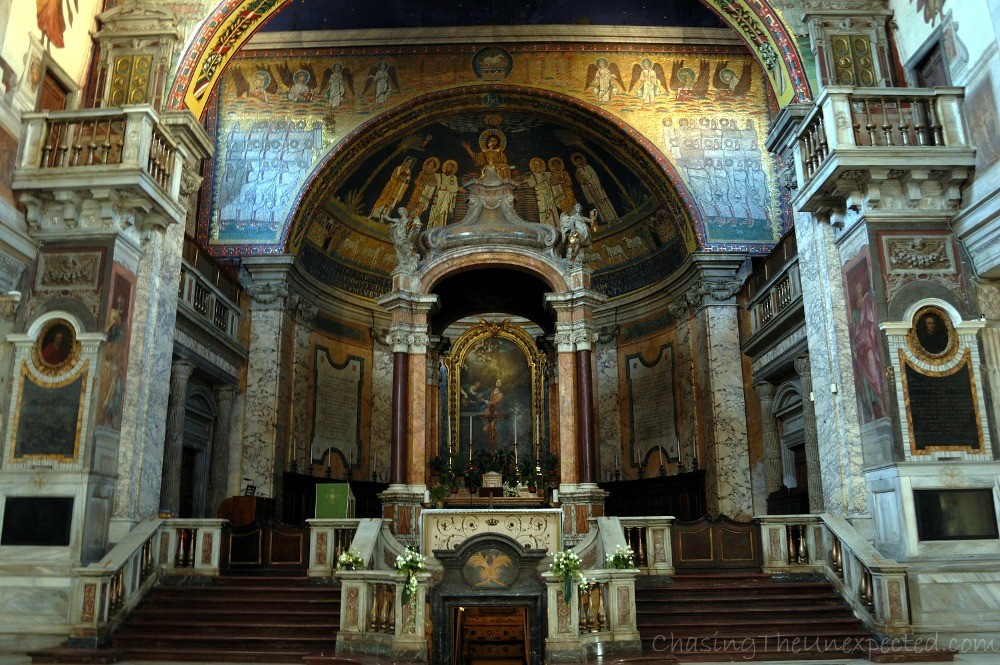 Mosaics-decorated apsis and central nave of Santa Prassede basilica