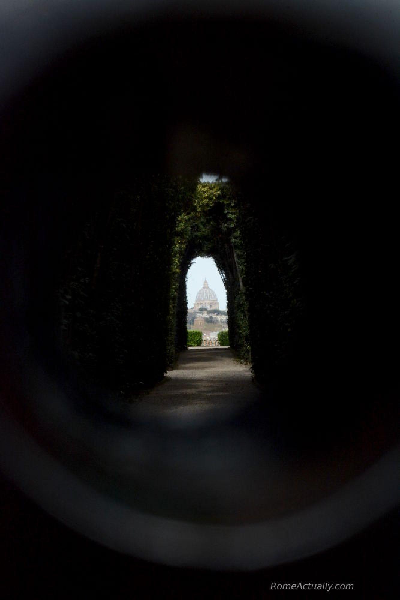 Aventine keyhole