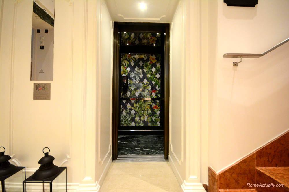 Image: Elevator of Sofitel Rome Villa Borghese