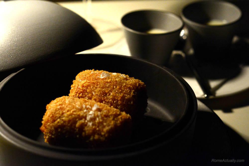 Image: Supplì as a starter for dinner at Settimo lounge restaurant