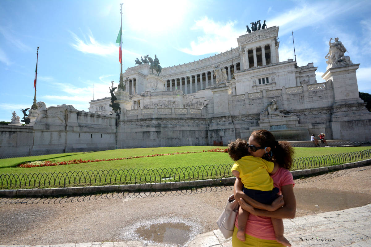 Image: Sightseeing in Rome with a baby