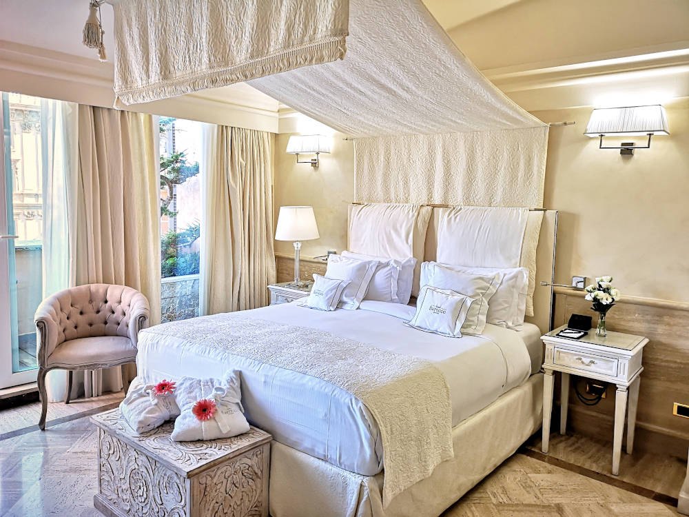 Image: Hotel Barocco near the Trevi Fountain in Rome