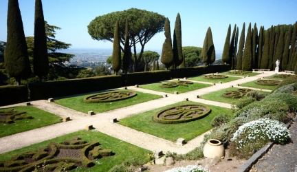 Day trip from Rome: Apostolic Palace and Barberini Gardens in Castel Gandolfo Tour with Take Walks, Full Review